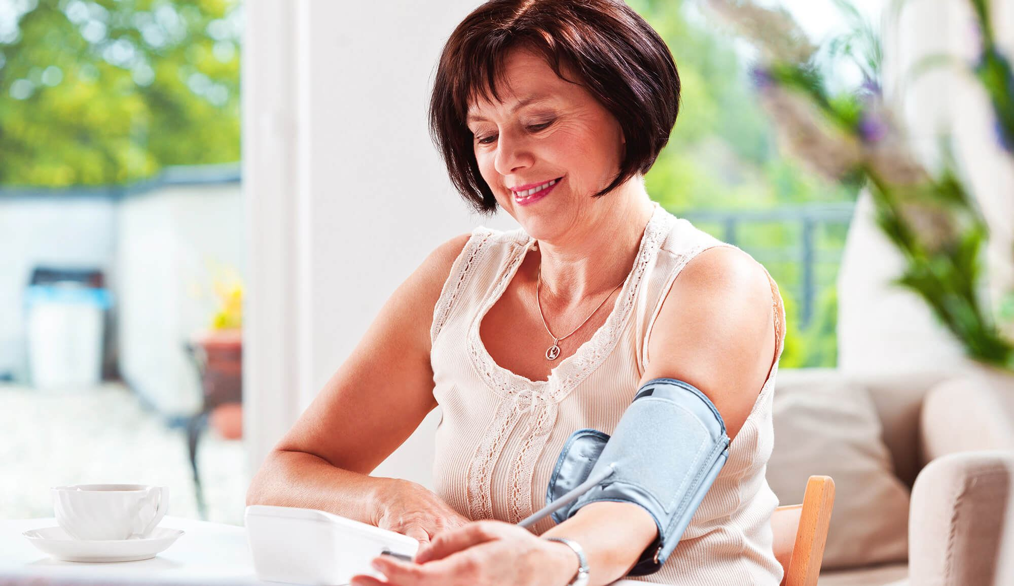 Lady confident in using medical device at home